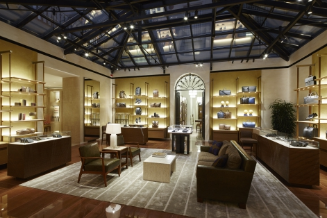 Louis vuitton opens its magnificently designed new for Boutique prague